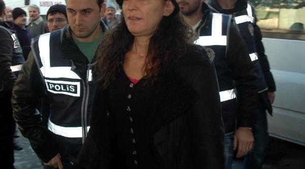Fotoğraflar - Istanbul'da Gözaltina Alinan Şüpheliler Sağlik Kontrolünden Geçirildi