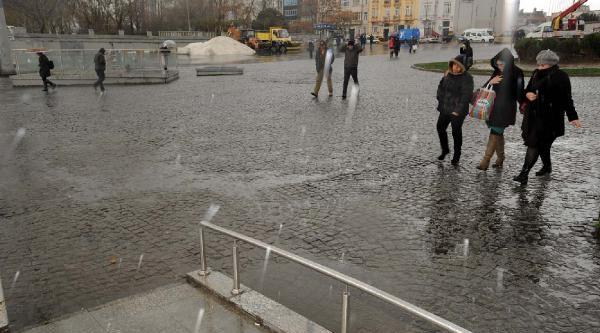 Fotoğraflar /// Istanbul'da Olumsuz Hava Koşullari