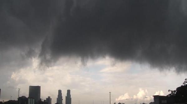 Fotoğraflar /// İstanbul'da Sağanak Yağmur (1)