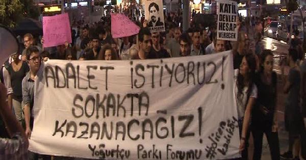 (fotoğraflar) Kadıköy'de Sarısülük Davası Kararı Protesto Edildi