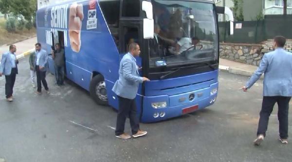 Fotoğraflar /// Kılıçdaroğlu'nun Otobüsü Altı Yere Sürtünce İlerleyemedi