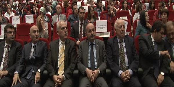 Fotoğraflar /// Sağlik Bakani Müezzinoğlu'Dan Vali Mutlu'Ya Esprili Uyari  ////  Teknoloji Bağimliliği Kongresi'nde Bakanin Uyarisina Rağmen Bağimli Kaldilar
