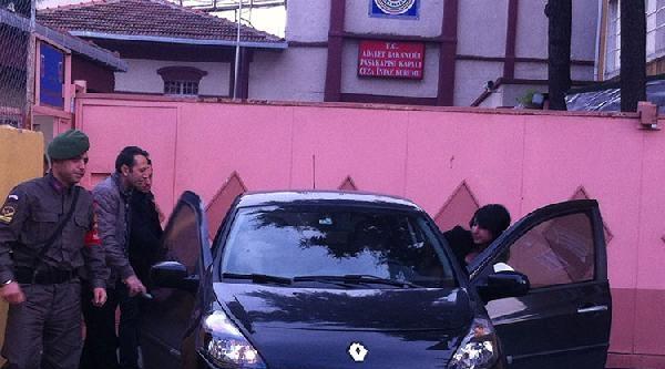 (fotoğraflar)tahliye Olan 2 Kişi Paşakapısı Cezaevinden Ayrıldı