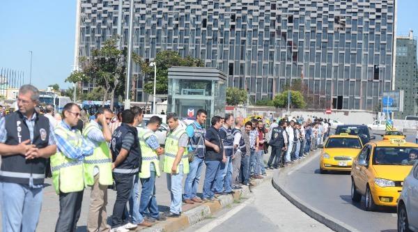 (fotoğraflar) Taksim'de Lgbt'nin Onur Yürüyüşü (1)