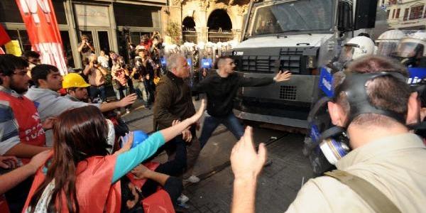 Fotoğraflar// Tünel Meydani'nda Polis Müdahalesi