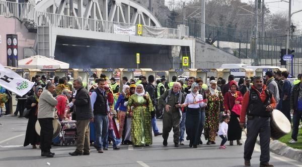 Fotoğraflar - Zeytinburnu'nda Nevruz Kutlaması