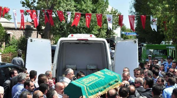 Fotoğraflar//başbakan Erdoğan Murat Göğebakan'ın Cenazesine Katıldı