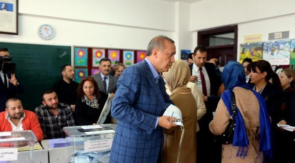 Fotoğraflar//başbakan  Erdoğan Oy Kullandı