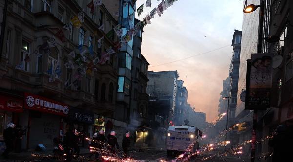 Fotoğraflar//berkin Elvan Protestosuna Polis Müdahale Etti