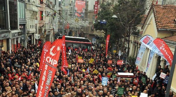 Fotoğraflar//chp'nin Taksim'de Yolsuzluk Protestosu