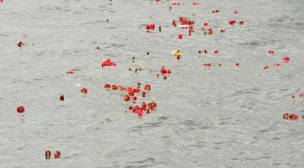 Fotoğraflar//deniz Gezmiş Ve Arkadaşları Dolmabahçe'de Anıldı