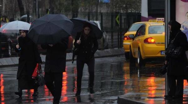 Fotoğraflar//istanbul'da Kötü Hava Koşullari Etkili Oluyor