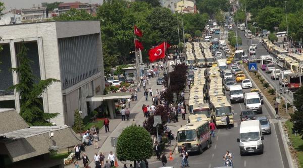Fotoğraflar//istanbul'da Minibüsçüler Eylemde