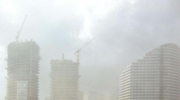 Fotoğraflar//istanbul'da Toz Bulutu Şaşirtti