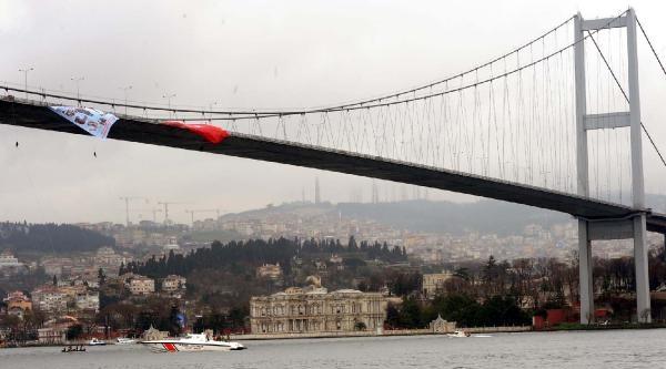 Fotoğraflar//kadın Jandarmalar Boğaziçi Köprüsü'nden Denize İniş Yaptı