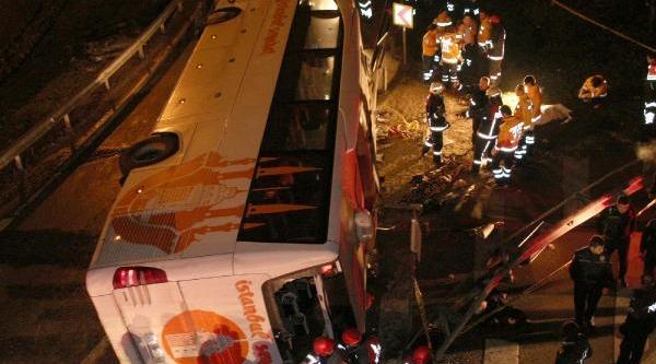 Fotoğraflar///maslakta Feci Kaza: 2 Ölü Çok Sayida Yarali