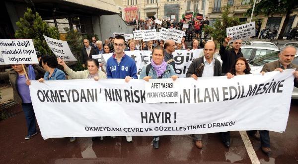 Fotoğraflar//okmeydanı Çevre Derneği Beyoğlu Belediyesi'ne Siyah Çelenk Bıraktı