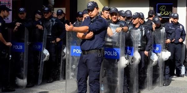 Fotoğraflar//taksim'de Güvenlik Önlemleri
