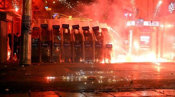 Fotoğraflar/taksim'de Polis Müdahalesi