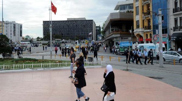 Fotoğraflar//taksim'de Polisin Gezi İçin Güvenlik Önlemleri