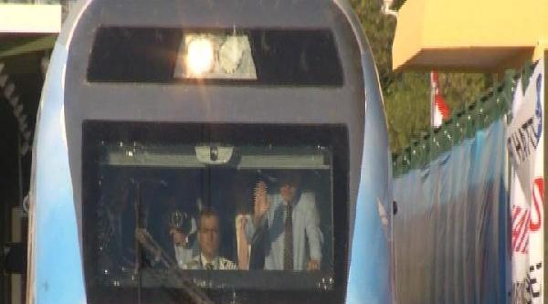 Fotoğraflı // Başbakan Erdoğan Yüksek Hızlı Tren Hattı Açılışında Konuştu