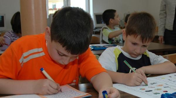 Fransa'da Okullar Açıldı