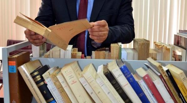 Freiburg Üniversitesi'Nden Çomü'Ye Kitap Bağişi