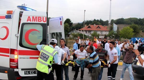 Freni Patlayan Minibüs Ters Yola Girip Devrildi: 19 Yaralı