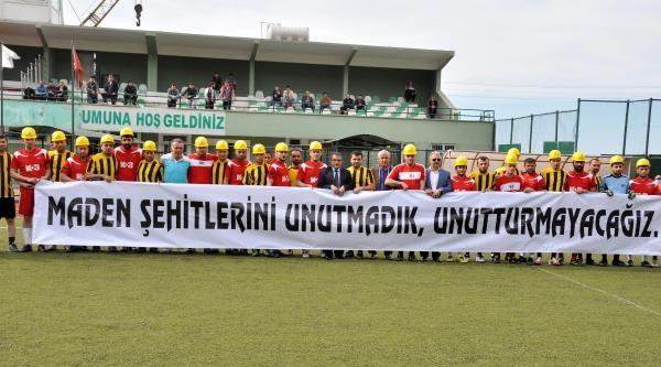 Futbol Turnuvasında Soma'da Ölen İşçiler Anıldı