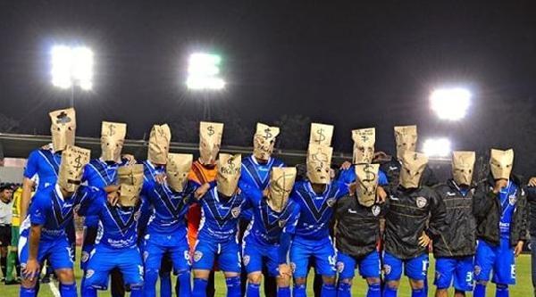 Futbolcuların İlginç Maaş Protestosu