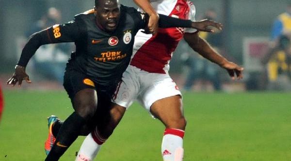 Galatasaray - Ajax  Maçi Soyunma Odasi