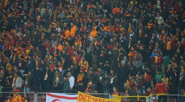 Galatasaray - Chelsea Maçının Fotoğrafları