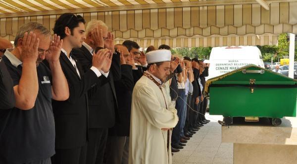 Galatasaray Eski Başkanı Canaydın'ın Annesi Öldü