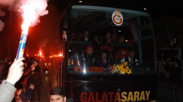 Galatasaray Kastamonu'da Coşkuyla Karşılandı (2)