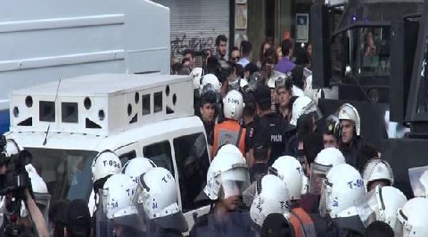 Galatasaray Lisesi Önünde Polis Müdahalesi (1)