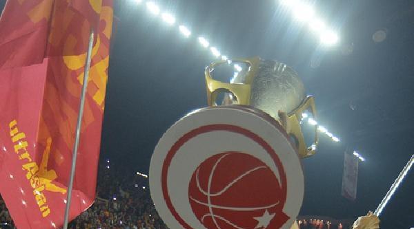 Galatasaray Odeabank, Şampiyonluk Kupasını Kaldırdı