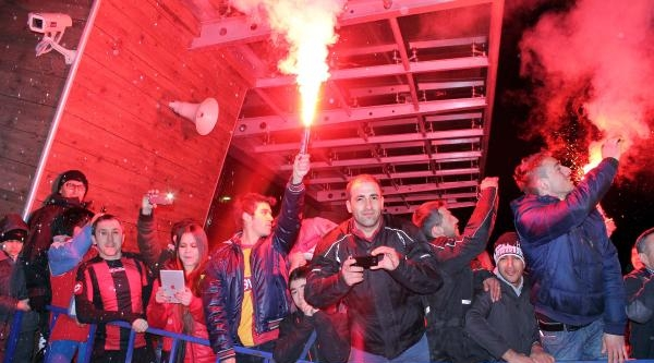 Galatasaray Uçakla Kastamonu'dan Ayrıldı