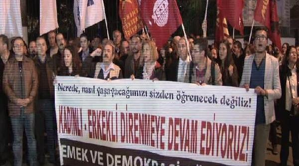 Galatasaray'Da Kadinli Erkekli Protesto