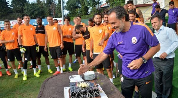 Galatasaray'da Prandelli'ye 57. Doğum Günü Sürprizi