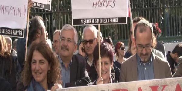 Galatasaray'da Yeşillerden 'öğrenci Evleri' Protestosu