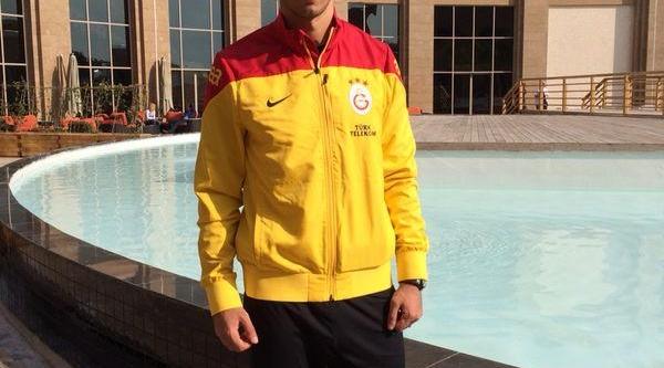 )Galatasaray'in Başarili Oyuncusu Umut Bulut Ilk Yariyi Dha'ya Değerlendirdi