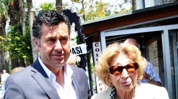 Gazeteci Bülent Akkurt Son Yolculuğuna Uğurlandı