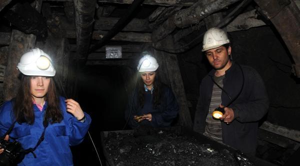 Gazetecilik Öğrencileri, Yeraltında Madencilerle Röportaj Yaptı