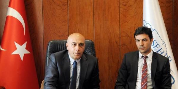 Gaziantep Büyükşehir Belediyespor Hasan Özer Ile Sözleşme Imzaladi