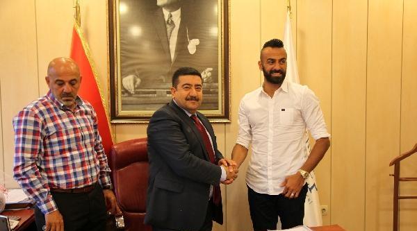 Gaziantep Büyükşehir İlker Avcıbay İle Sözleşme İmzaladi