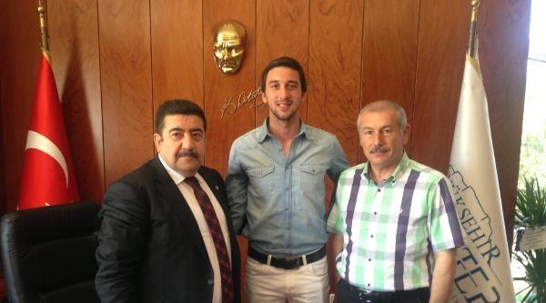 Gaziantep Büyükşehir'de Kaleci Emir'le Anlaştı