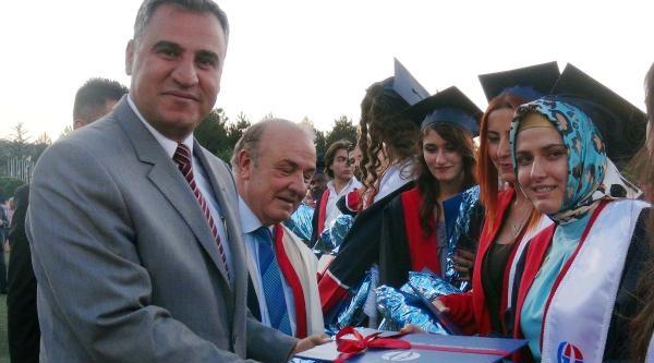 Gaziantep Üniversitesi'nde Mezuniyet Coşkusu