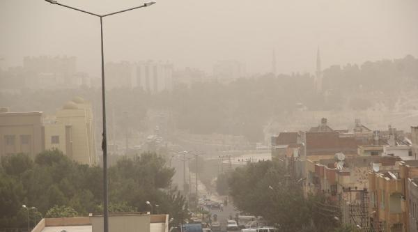 Gaziantep Ve Şanliurfa'da Toz Bulutu