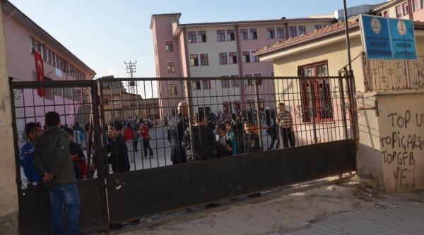 Gaziantep'de 7 Öğrenci Zehirlendi