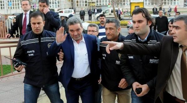 Gaziantepli Sanayiciyi Tanidiği 'reis' Kaçirtmiş